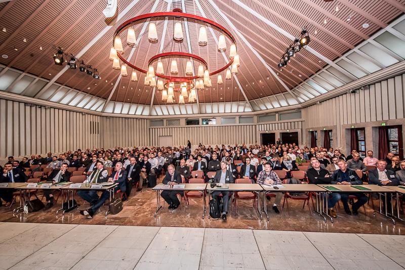Aktuelles - 11PT Sitzungssaal